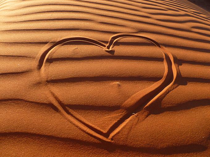 Wallpaper_Namib_desert_Love_on_Elim_Dune