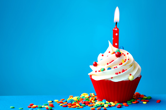 birthday-cake-desktop-background-496402
